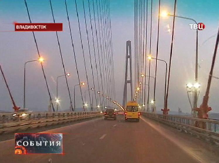 Новый мост на острове Русский