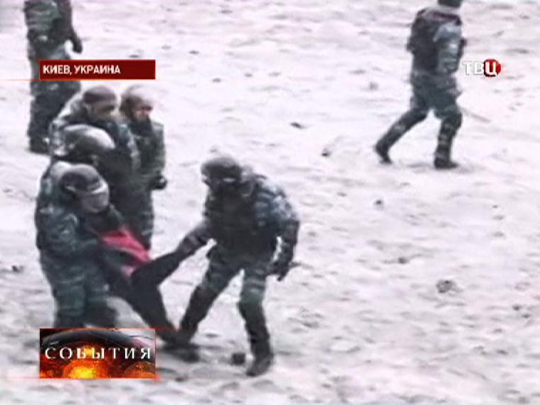 Милиция проводит задержания участников акции протеста в Киеве