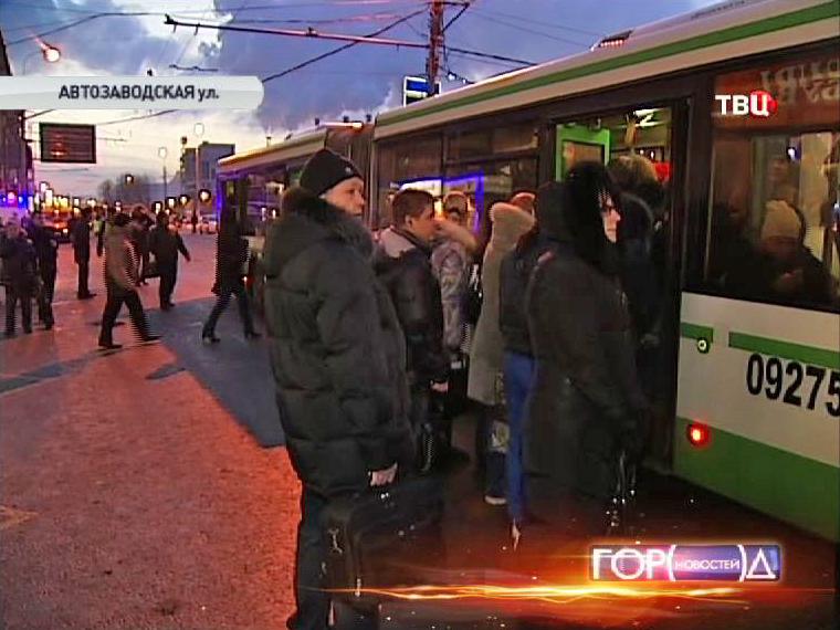 Для пассажиров выделили дополнительные автобусы