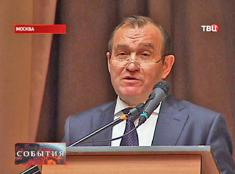 Заместитель мэра Москвы по вопросам жилищно-коммунального хозяйства - Петр Бирюков