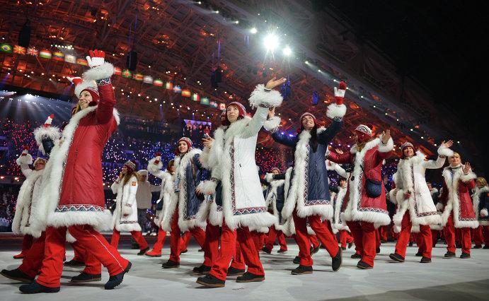 Представители России во время парада атлетов и членов национальных делегаций на церемонии открытия XXII зимних Олимпийских игр в Сочи.
