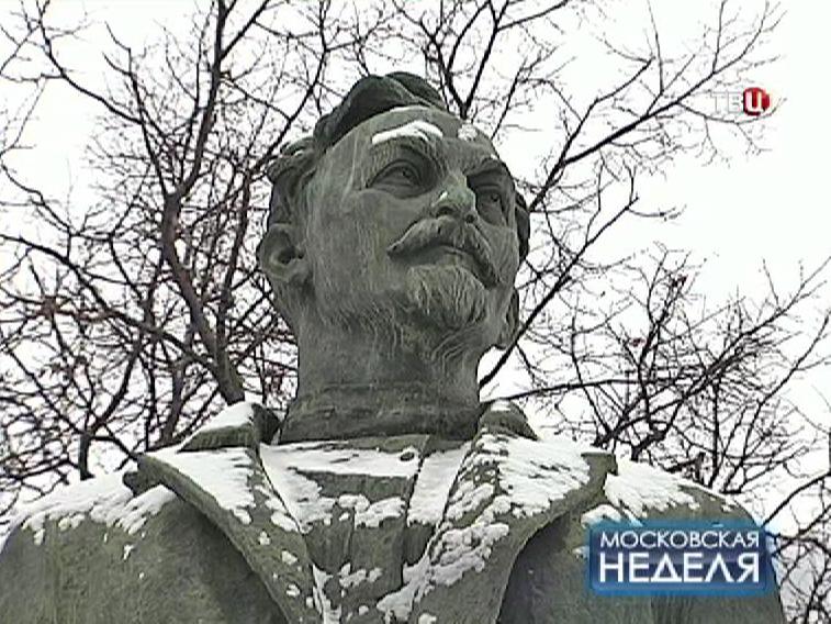"""Памятник Феликсу Дзержинскому  в парке """"Музеон"""""""