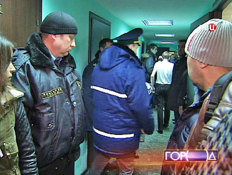 Рейд инспекции в нелегальном общежитии