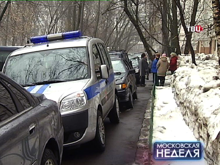 Машина полиции на месте происшествия