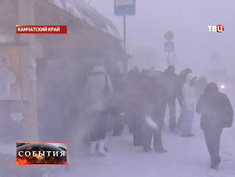 Сильный снегопад на Камчатке