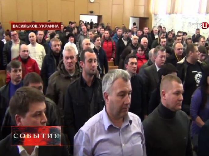 Национал-радикалы прервали работу Рады Василькова