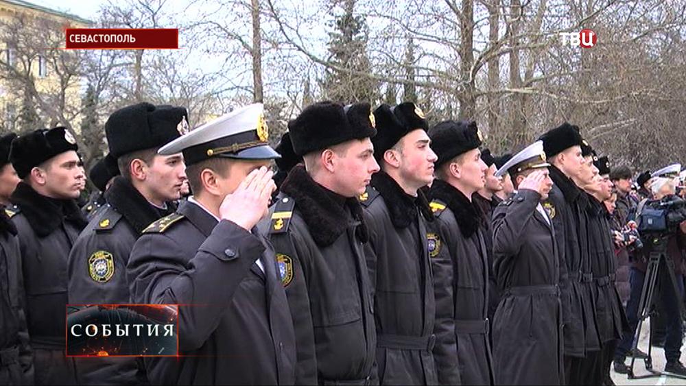 Построение курсантов-нахимовцов в Севастополе