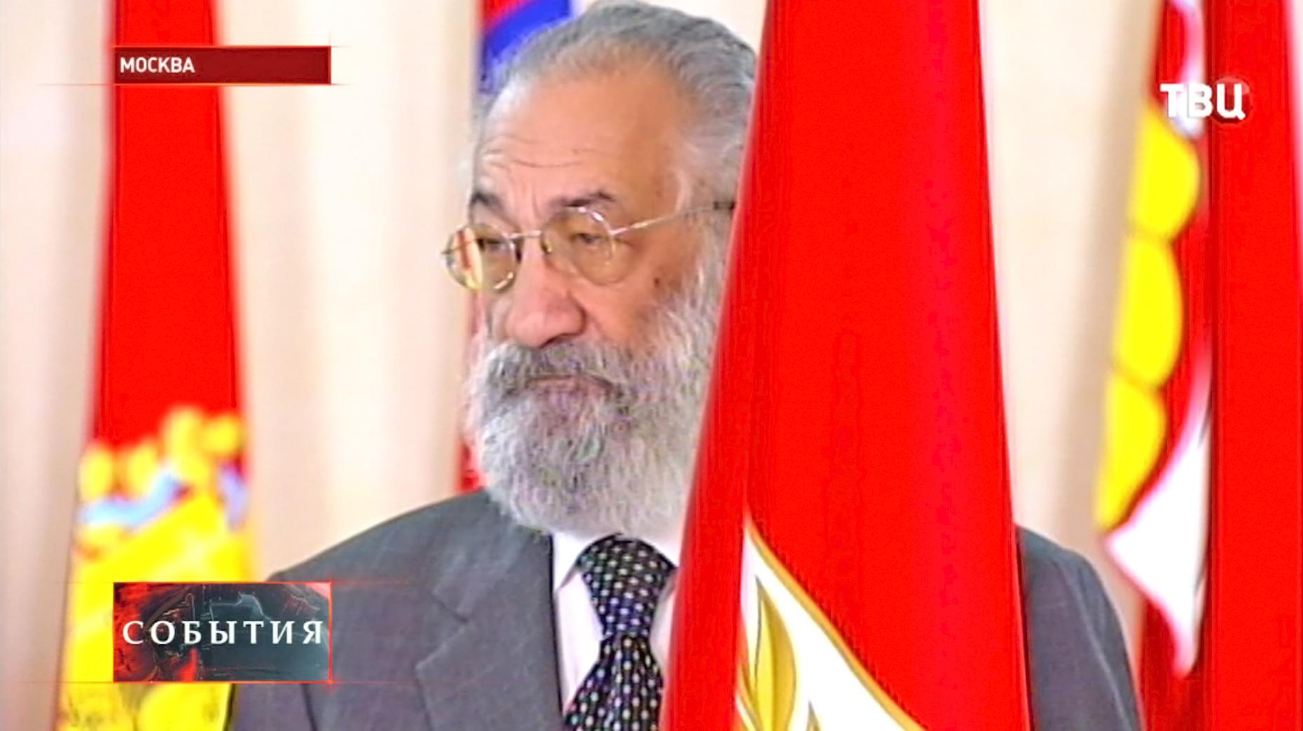 Торжественное поднятие флага Крыма и Севастополя