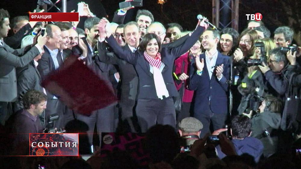 Мэром Парижа стала кандидат от Социалистической партии Анн Идальго