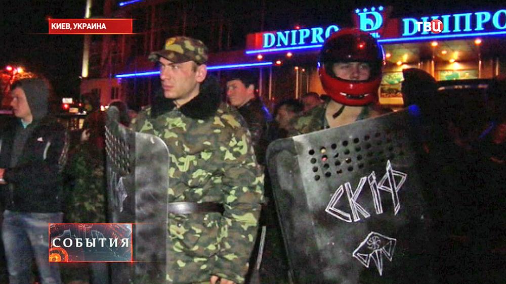 Верховная Рада спешно голосует за изъятие незаконных арсеналов у радикалов
