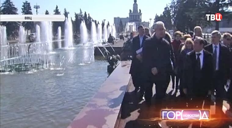 Сергей Собянин осматривает парк ВВЦ