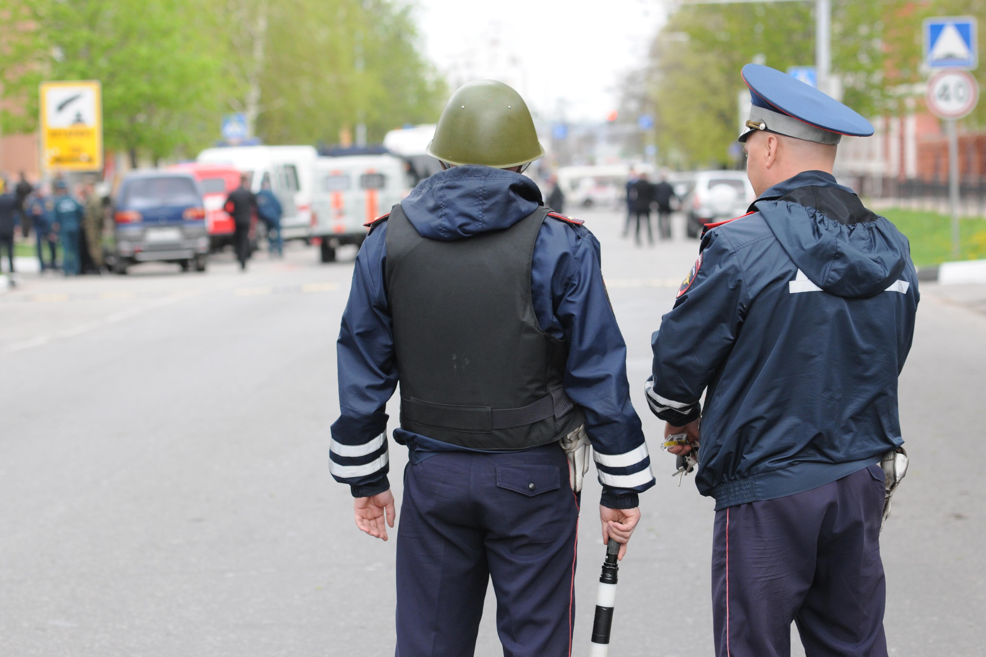 """Ситуация у захваченного банка """"Западный"""" в Белгороде"""