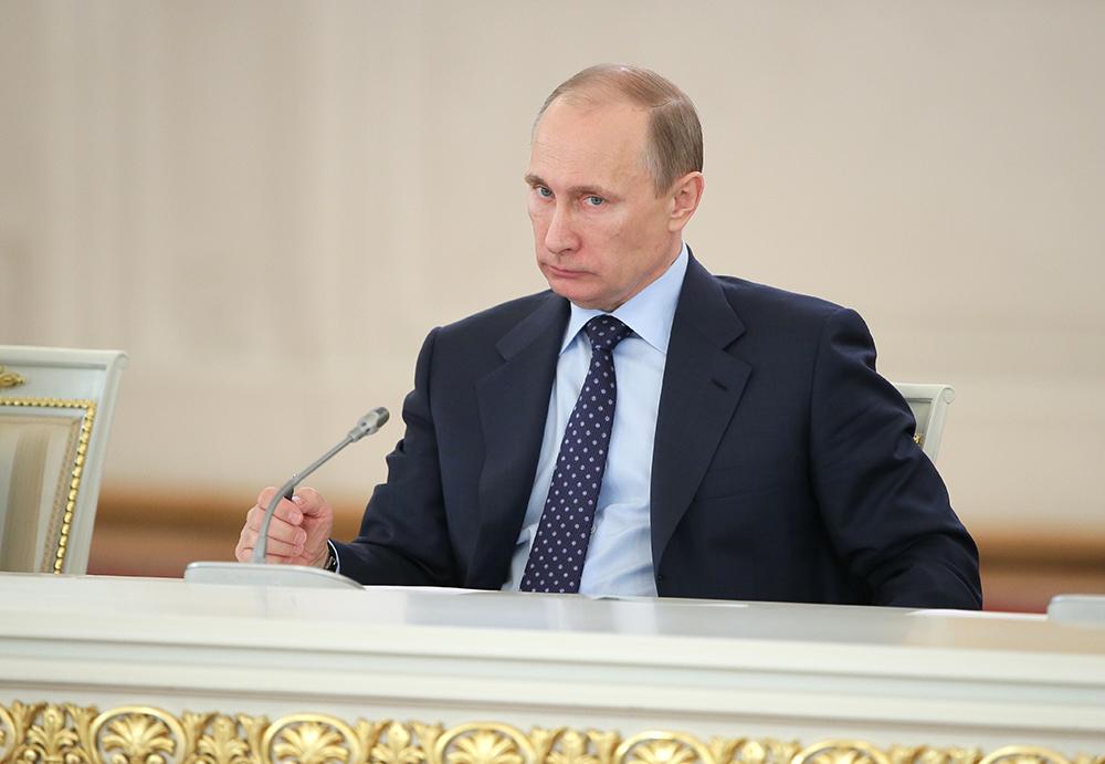 Владимир Путин во время заседания Госсовета и президентского совета по реализации приоритетных нацпроектов