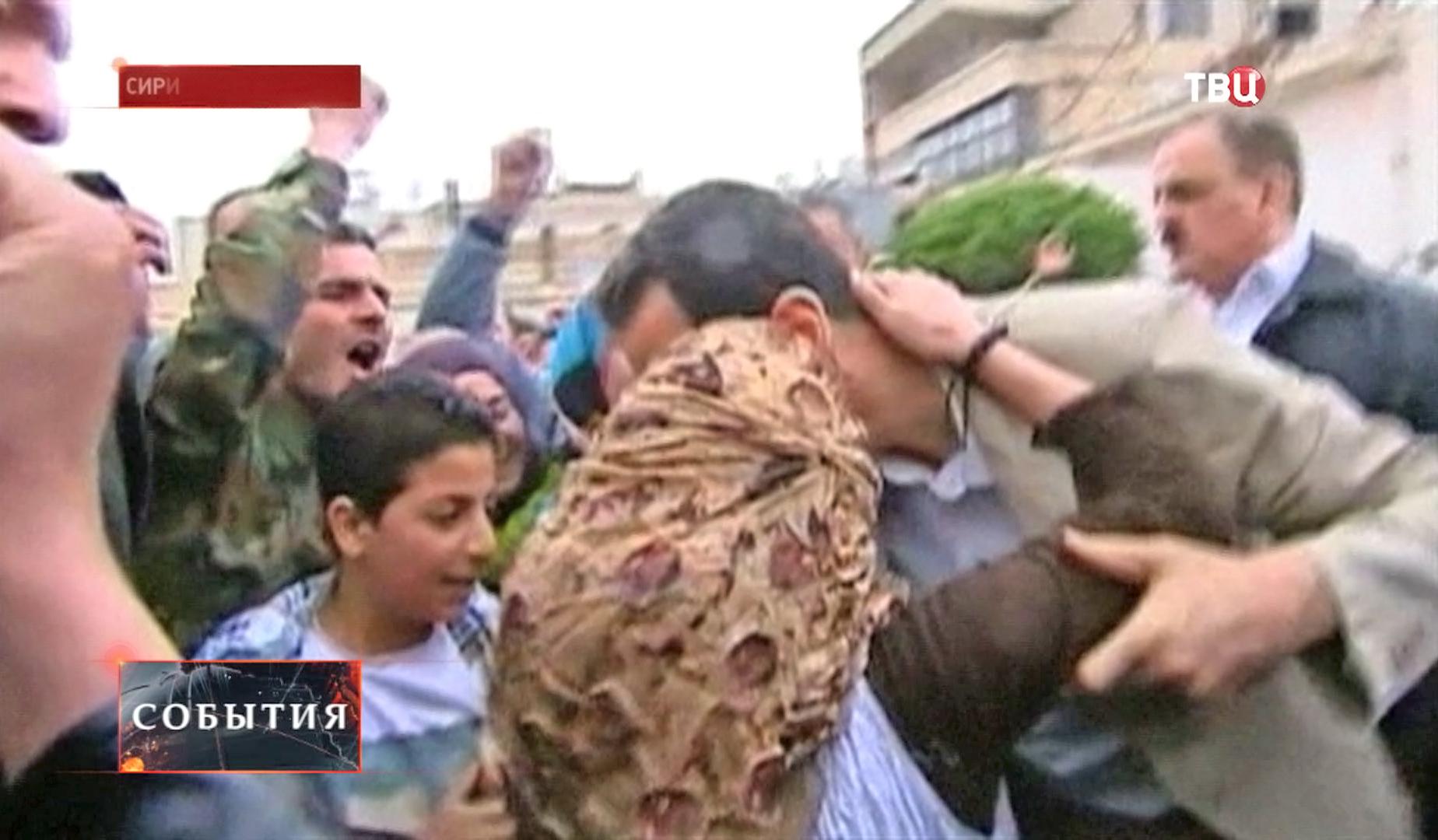 Президент Сирии Башар Асад общается с народом