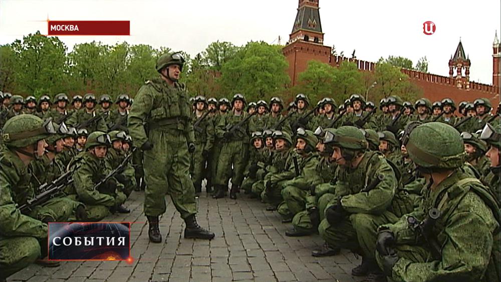 Десантники Ивановского полка готовятся к параду на Красной площади