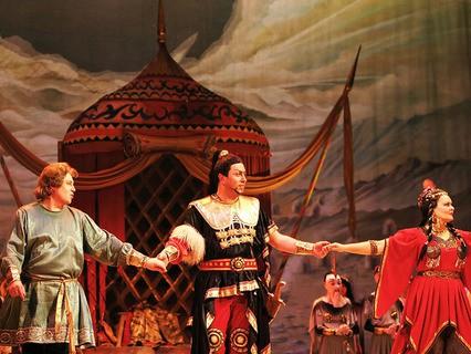 Закулисные войны в опере: может ли выжить дружба в схватке за роли и гонорары